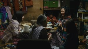 Shoplifters - Film Screenshot 4