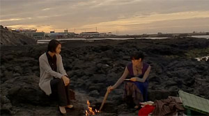 Sisters on the Road - Film Screenshot 3