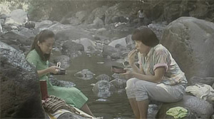 Sisters on the Road - Film Screenshot 7